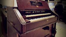 SYNCHRON-ized Special Keyboards - Harmonium