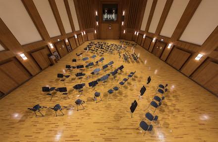 Große, leere Aufnahmehalle A der Synchron Stage Vienna
